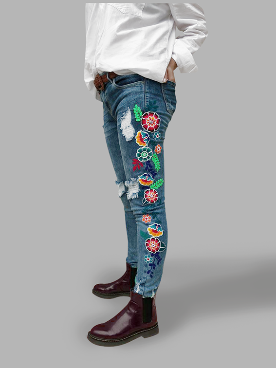 Blue embroidered jean, Size 26 - 28