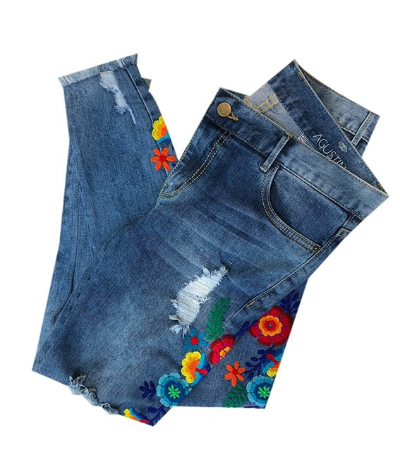 Blue embroidered jean